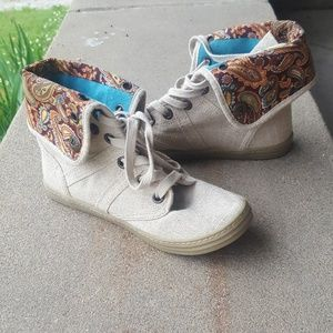 Blowfish Malibu Tweed & Paisly High Top Sneakers 6